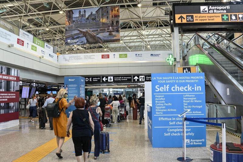 Turismo, buona ripresa estiva ma 2021 sconta effetti pandemia