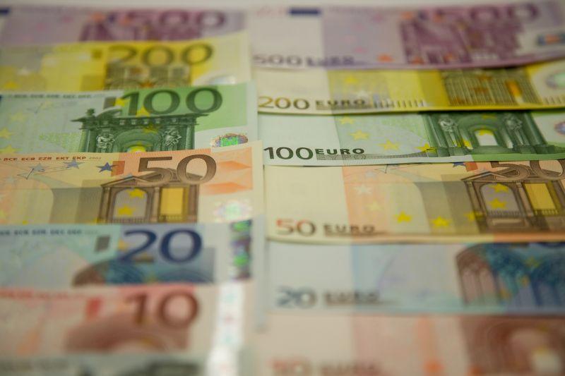 BANCONOTA BANCONOTE EURO SOLDI DENARO CINQUECENTO 500 DUECENTO 200 CENTO 100 CINQUANTA 50 VENTI 20 DIECI 10