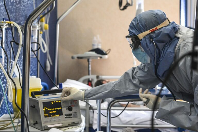 Covid, 4.259 nuovi casi e 21 decessi in 24 ore