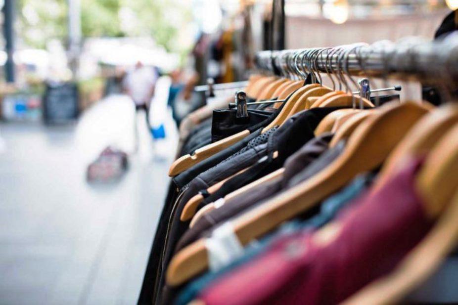 immagine abbigliamento, furto di indumenti a cagliari