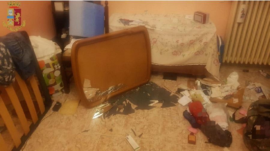 immagine arredi distrutti in casa