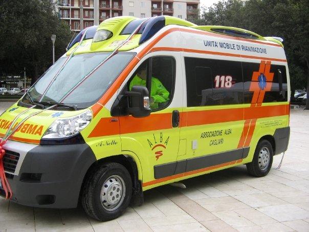 immagine ambulanza associazione alba di cagliari