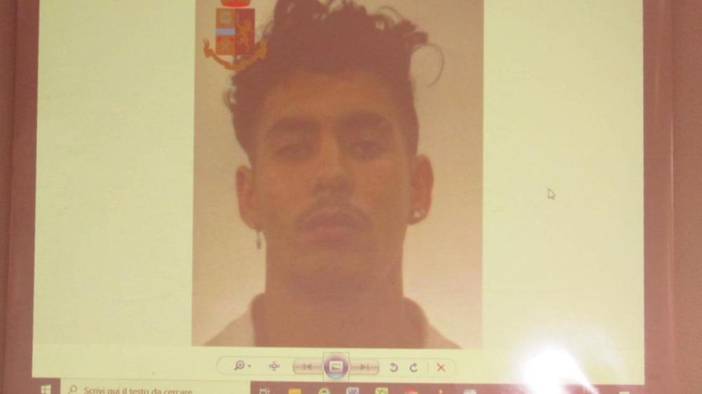 immagine di Messadi Fateh l'algerino tratto in arresto