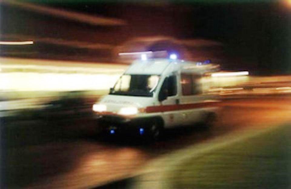 immagine ambulanza carnevale di sciacca muore bimbo di quattro anni caduto dal carro