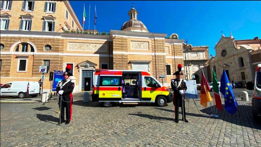 immagine cerimonia ambulanza memoria cerciello rega
