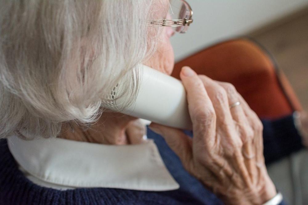 numero telefono attivo per anziani per informazioni coronavirus