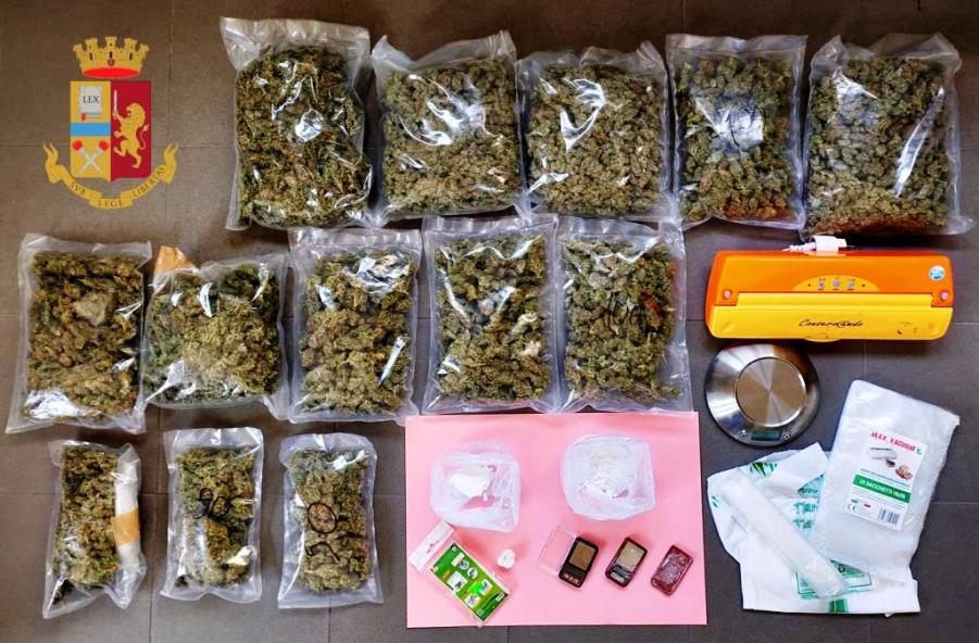 immagine droga sequestrata dalla polizia di Cagliari