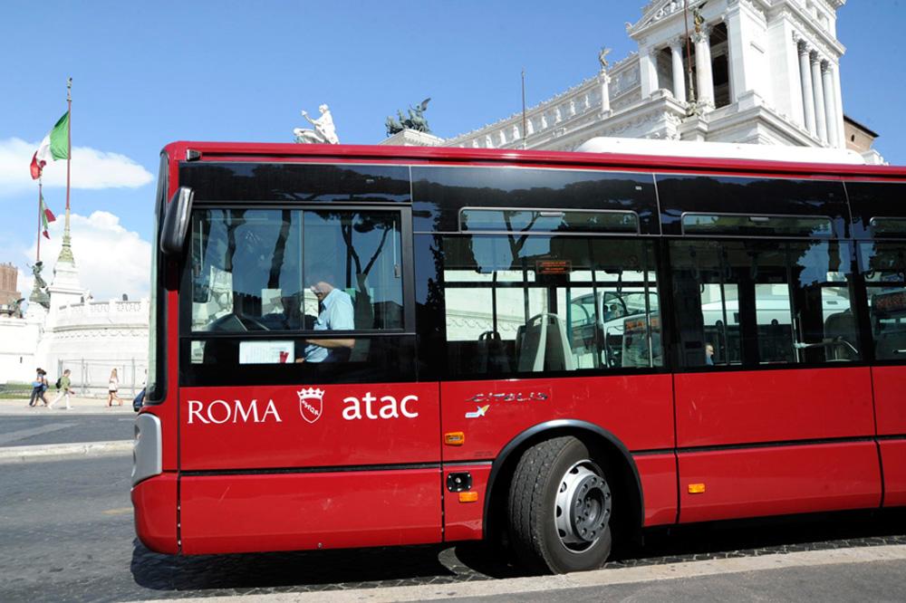 immagine autobus atac a roma