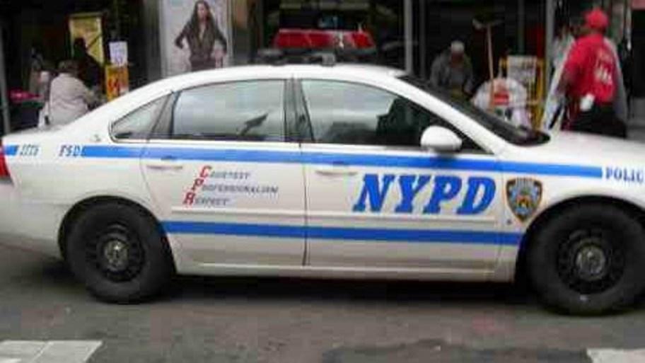 immagine auto della polizia di new york