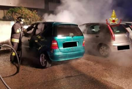 auto incendiata a quartu