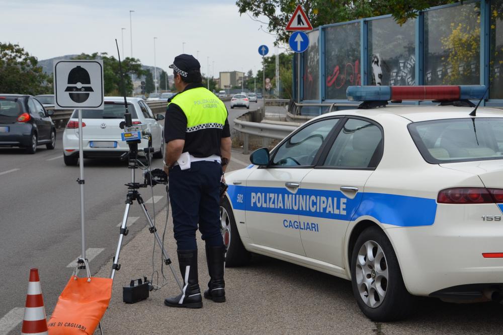 immagine autovelox polizia municipale a cagliari