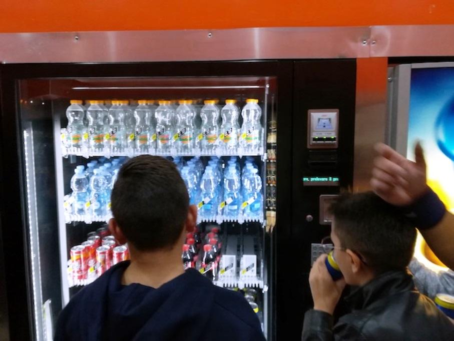 distributori automatici bevande e cibo a cagliari nuovi orari