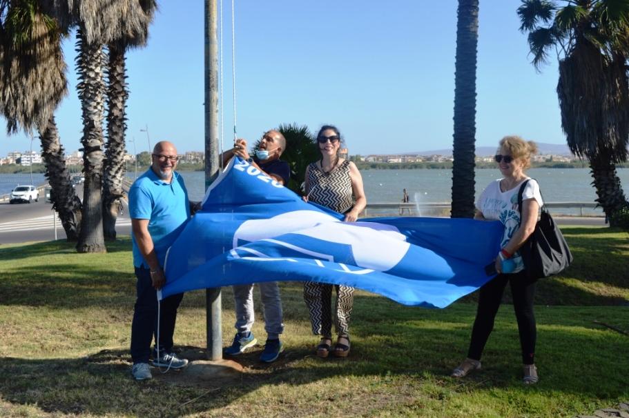 immagine bandiera blu litorale di quartu