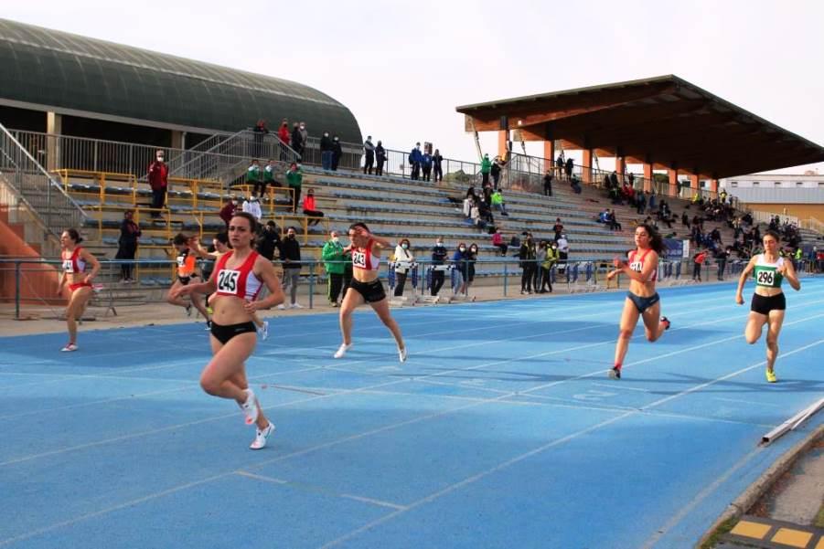 Batteria dei 100m femminili - Atletica, fine settimana di gare al Coni per i Campionati di Società