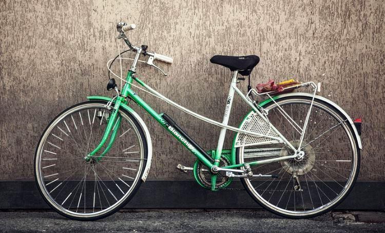 immagine bicicletta rubata ad un pakistano, due denunciati