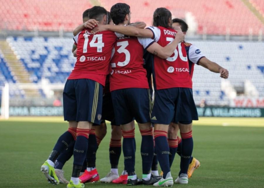 Il Cagliari supera la Roma guidato da un ottimo Marin: alla Sardegna Arena finisce 3-2
