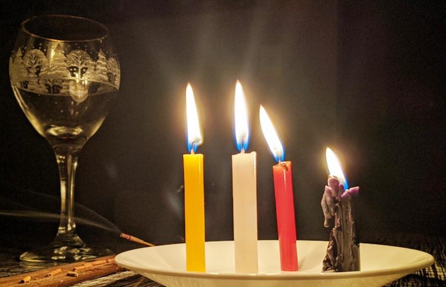 immagine candele rituale