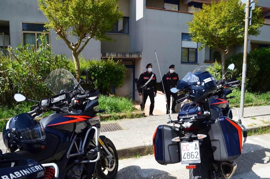 carabinieri con la moto