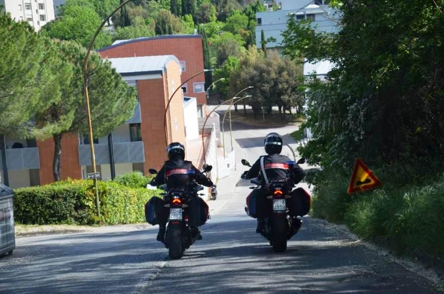 immagine carabinieri in moto