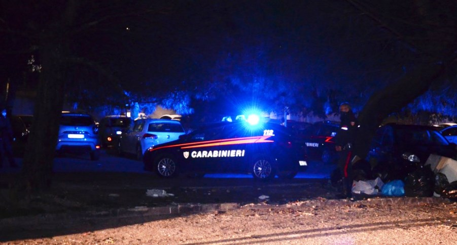 immagine controlli notturni dei carabinieri