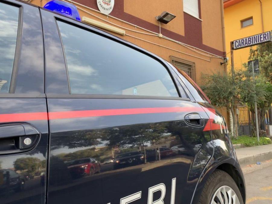 immagine auto carabinieri
