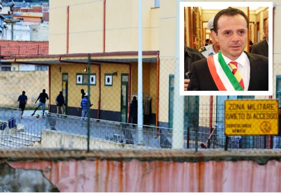 immagine ex caserma bisconte con sindaco de luca
