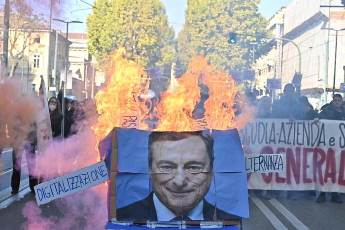Immagine di Draghi