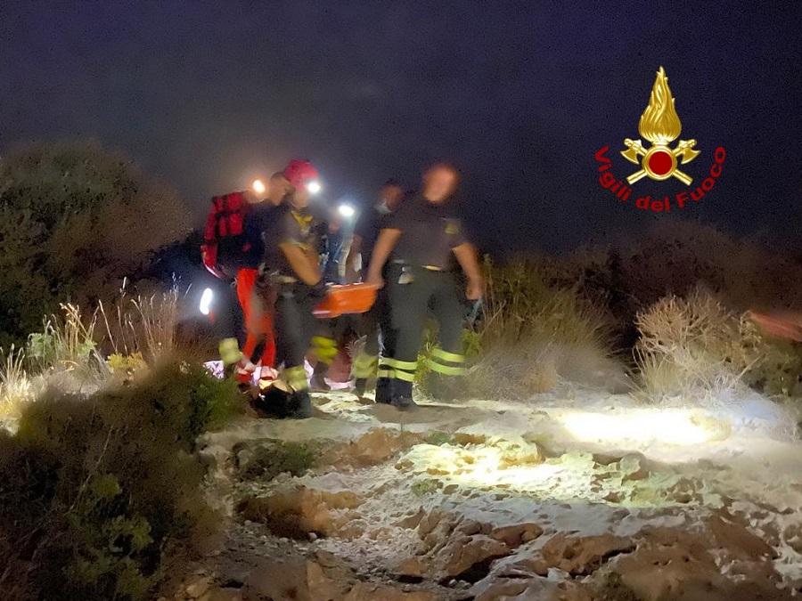 donna salvata dai vigili del fuoco a calamosca cagliari