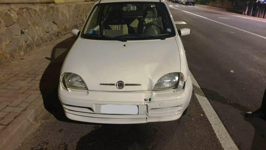 immagine fiat 600 auto dell'incidente in via cadello a cagliari
