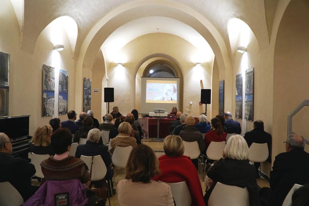 Immagine conferenza stampa Il fondo d'autore di Enrico Costa presentato alla Biblioteca Universitaria