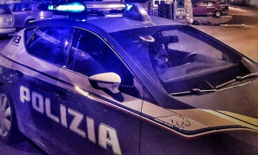 immagine volante della polizia di stato