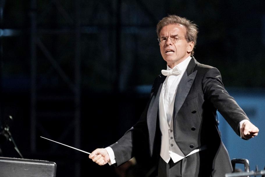 Teatro Lirico: successo del Concerto Sinfonico diretto dal Maestro Giuseppe Grazioli, con il fuori programma iniziale dell'Inno di Mameli