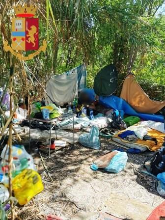 roma insediamento abusivo nordafricani