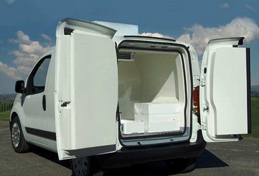 immagine furgone trasporto alimenti