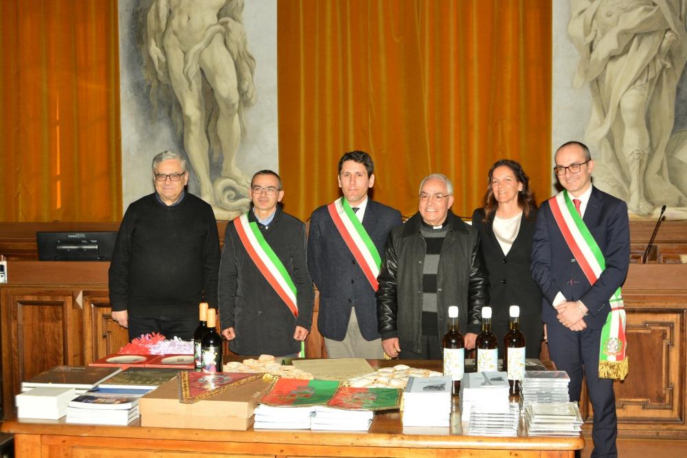immagini Cerimonia di Gemellaggio tra Cagliari Pavia e Abbasanta