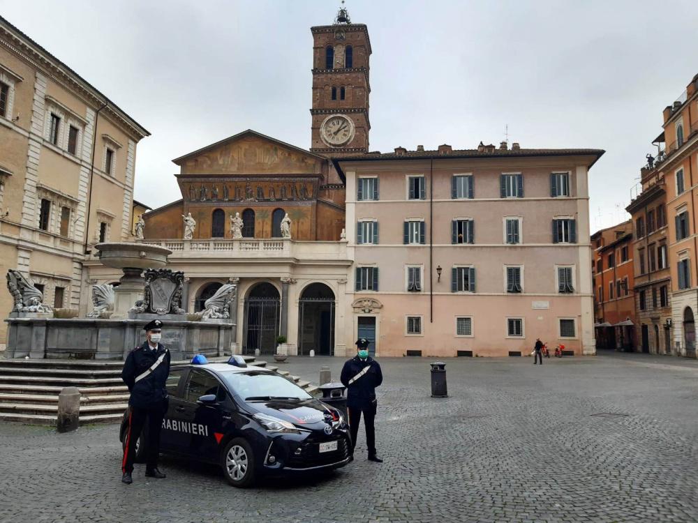 immagine carabinieri roma trastevere