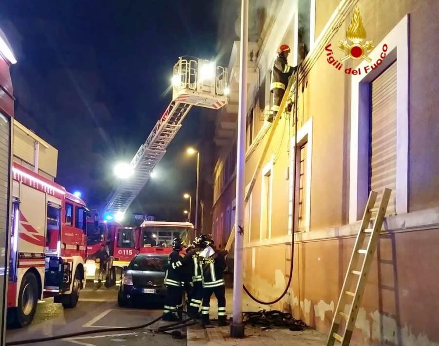 immagine incendio di un appartamento con studio dentistico