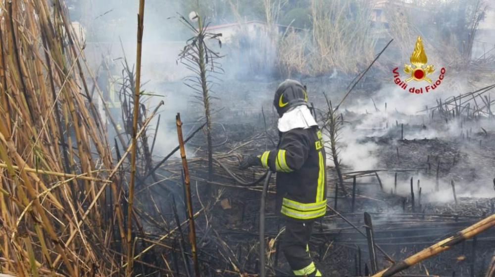 immagine incendio a flumini di quartu