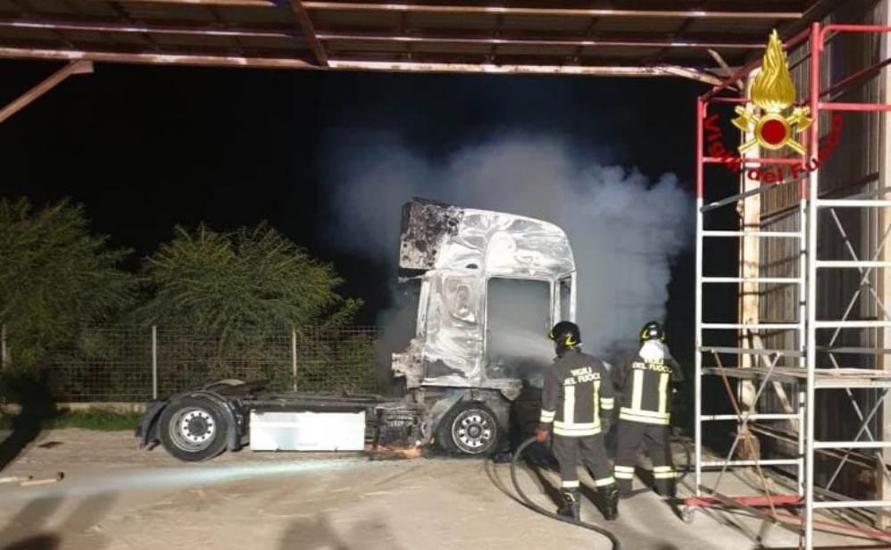 immagine incendio a macchiareddu azienda verniciatura industriale