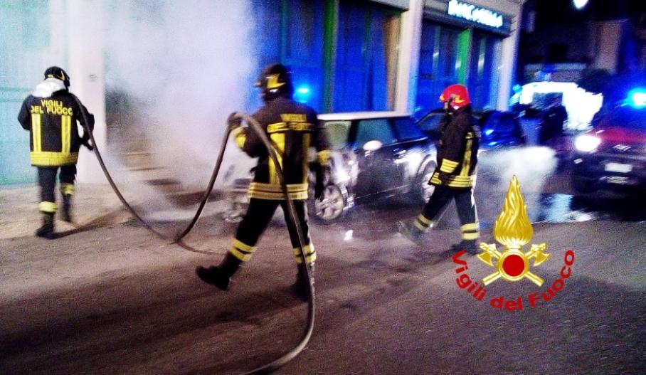 incendio auto ad olbia