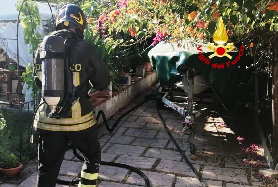 immagine incendio villetta a quartu