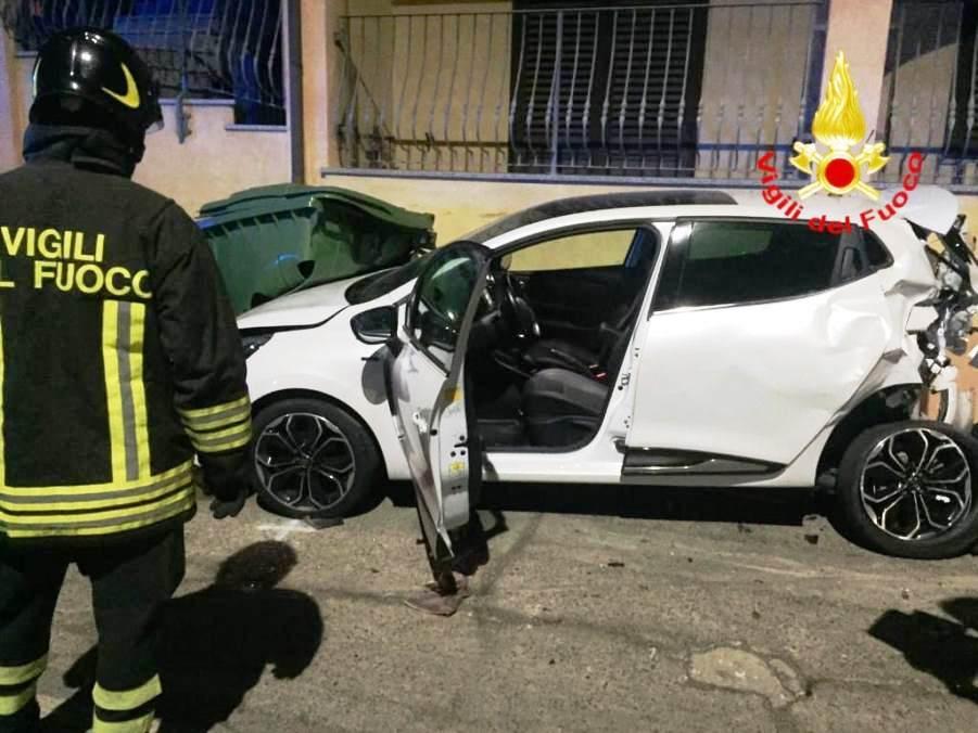 immagine auto incidente stradale settimo san pietro