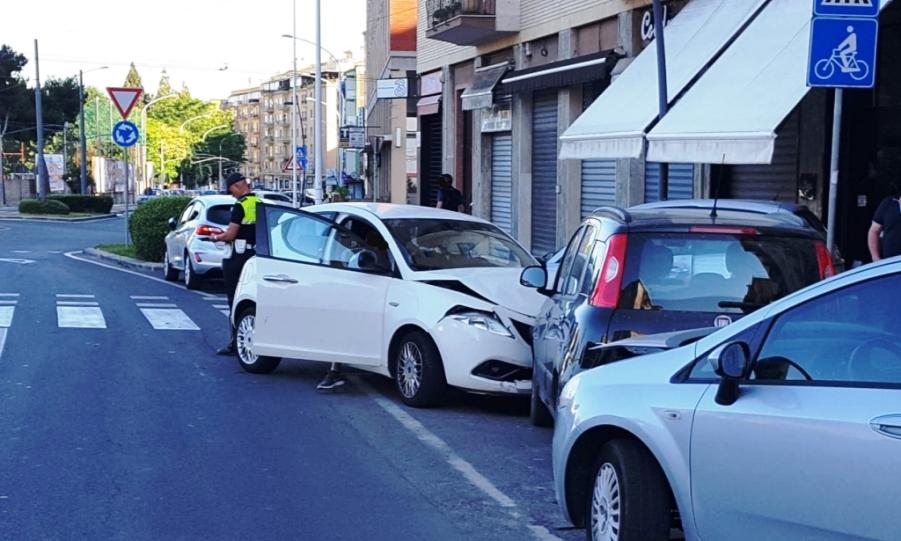 immagine incidente stradale via campania a cagliari