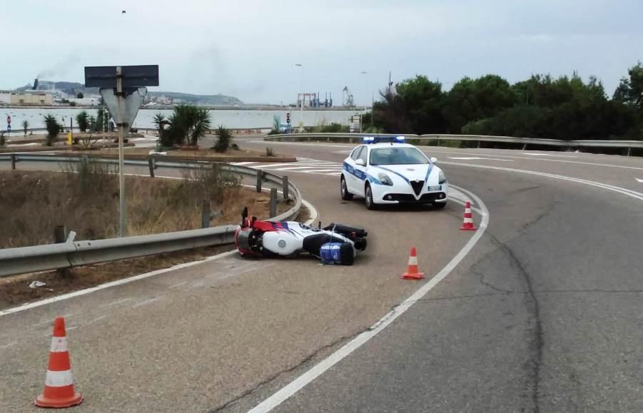 incidente in moto a cagliari, morto il conducente