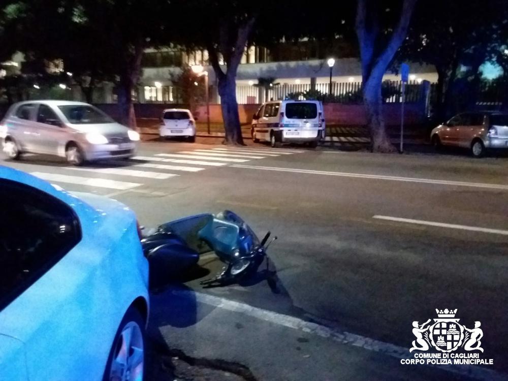immagine incidente viale trieste a cagliari, pedone investito da ciclomotore