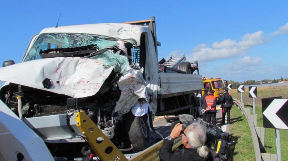 immagine furgone bianco incidente a villasor decimomannu