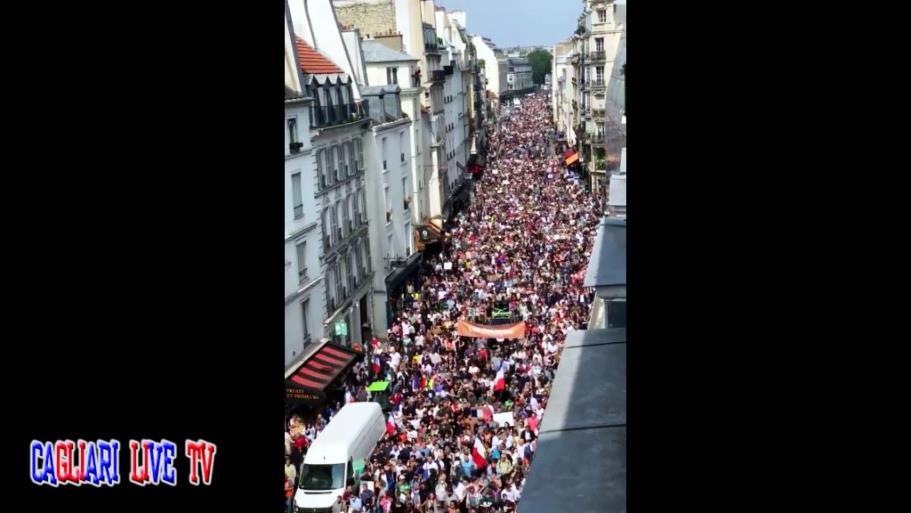 Francia: in migliaia manifestano contro il Green Pass sanitario
