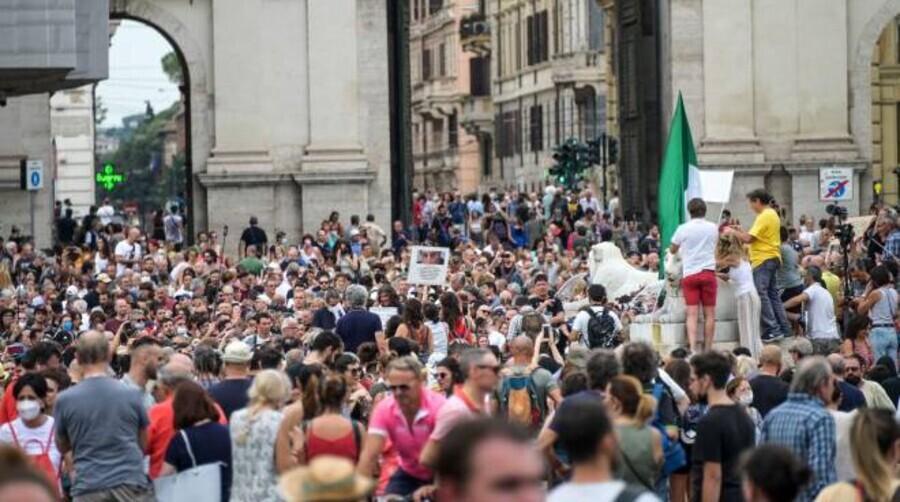 Foto Manifestazione Piazza Del Popolo Roma