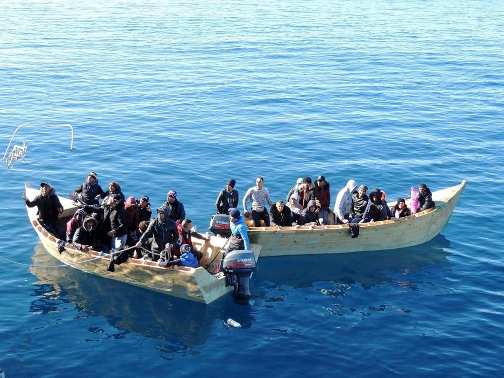 immagine migranti sbarcati in sardegna, arrestato un algerino