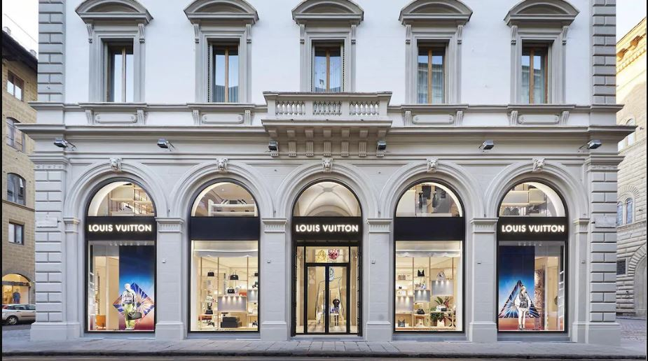 immagine boutique louis vuitton di firenze arrestato ladro